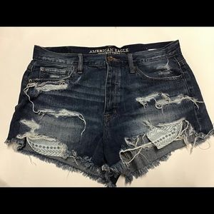 denim shorts with accent pockets